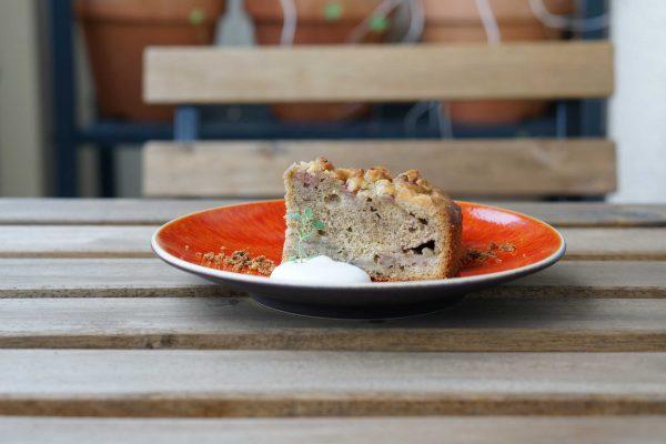 いちじくとアールグレイのクランブルケーキ