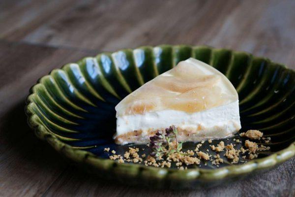 猿投産白桃のベイクドレアチーズケーキ