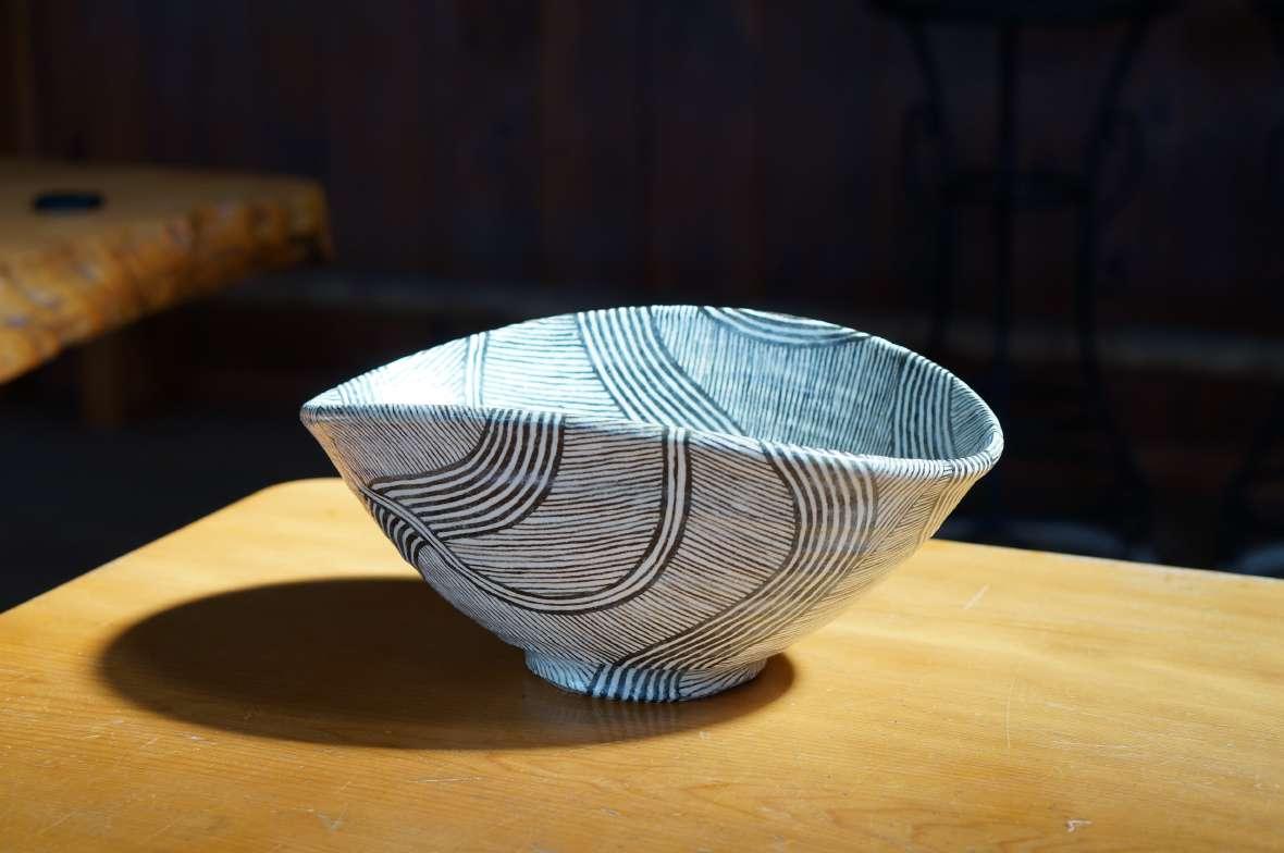 流線紋深鉢1